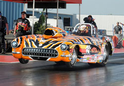 K&N Corvette Roadster performed flawlessly throughout the San Antonio event. Photos by: IHRA Communications.