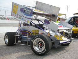 Wendy has competed with the Tampa Bay Area Racing Association (TBARA) Sprint Car Club Since 2001 and currently competing full-time in the O'Reilly USCS Asphalt Thunder Series