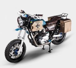 "Dave Hargreaves ""Athena"" custom Yamaha 650 side view, fully dressed"