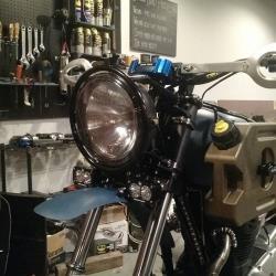 "Dave Hargreaves ""Athena"" custom Yamaha 650 headlight is detachable"