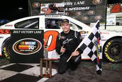Ronnie Bassett Jr K&N NASCAR Pro Series driver at New Syrma Speedway