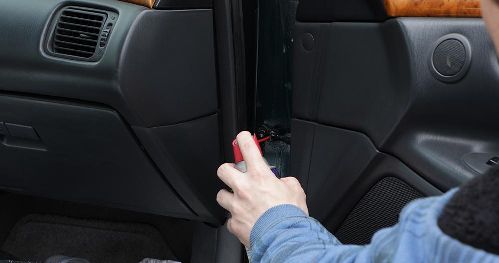Lubricating door hinges