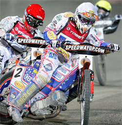 Australian Jason Crump has a 31- point lead over his nearest rival Russian Emil Sayfutdinov in the World Speedway Grand Prix Championship chase