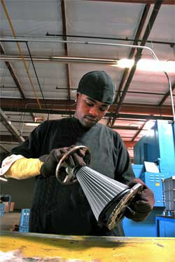 Marcus Guiton removes Custom K&N Air Filter from mold