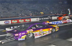 Dan Fletcher and Jason Lamb had two almost identical lights but Fletcher took the win for the 2009 Competition Eliminator World Finals Championship at Auto Club Raceway in Pomona, California, courtesy of Bob Johnson Photography