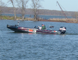 Sonar and GPS help fishermen find the bass during the Kentucky Lake Tour