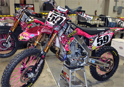 Matt Boni and Troy Adams ride and wear pink in Louisiana for Brad Pitt's Make It Right Foundation, photo by vitalmx.com