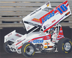 Arkansas native has endless summer on the sprint car racing circuit by spending have the year in the United States and half the year in New Zealand, photo by DaveHillsRacingImages.com