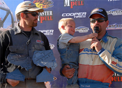 Brad and Roger Lovell win 2009 We Rock Season Opener in the Pre-Modified Class, photo by Jud Leslie