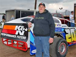 Del Rougeux continues to add points in the Pro Modified Title Chase