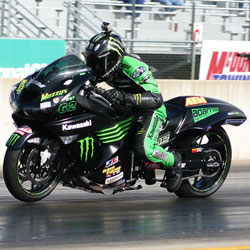 Ricky Gadson sets fastest time and wins in his Kawasaki ZX14 at Pingel Thunder Nationals, photo by Tim Hailey