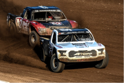 Andrew Carlson battles with Kevin Hanegraaf in the PRO 2 class